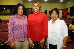 Rosa Miriam Arias, Iris Méndez y Josefina García