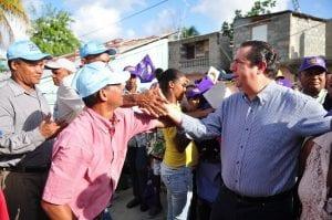 Francisco Javier García visitó Los Alcarrizos este sábado.