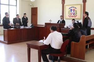 Audiencia sobre la litis Bellón-Seguros Sura en el Palacio de Justicia de Santiago.