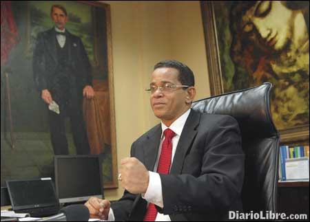 Senador José Rafael Vargas.