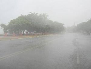 Intensos aguaceros se registran en regiones dominicanas.