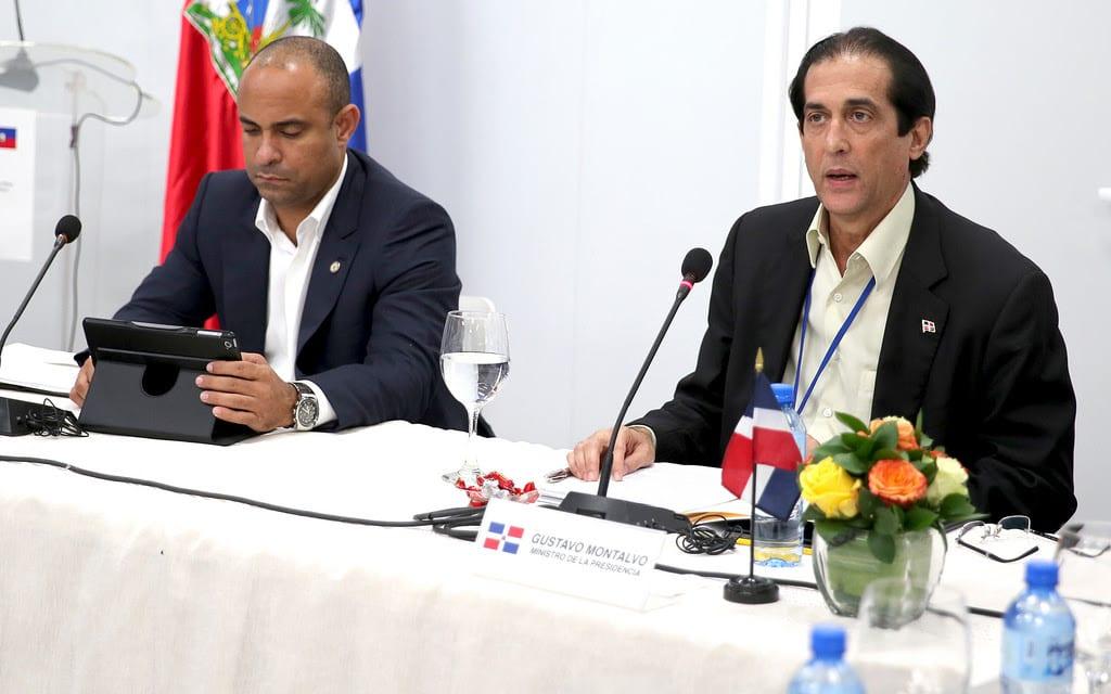 Gustavo Montalvo y el primer ministro de Haití.