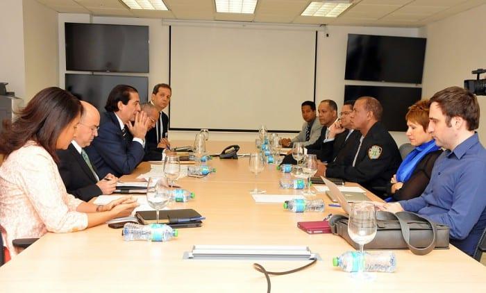 El ministro de la Presidencia Gustavo Montalvo dirige los trabajos.