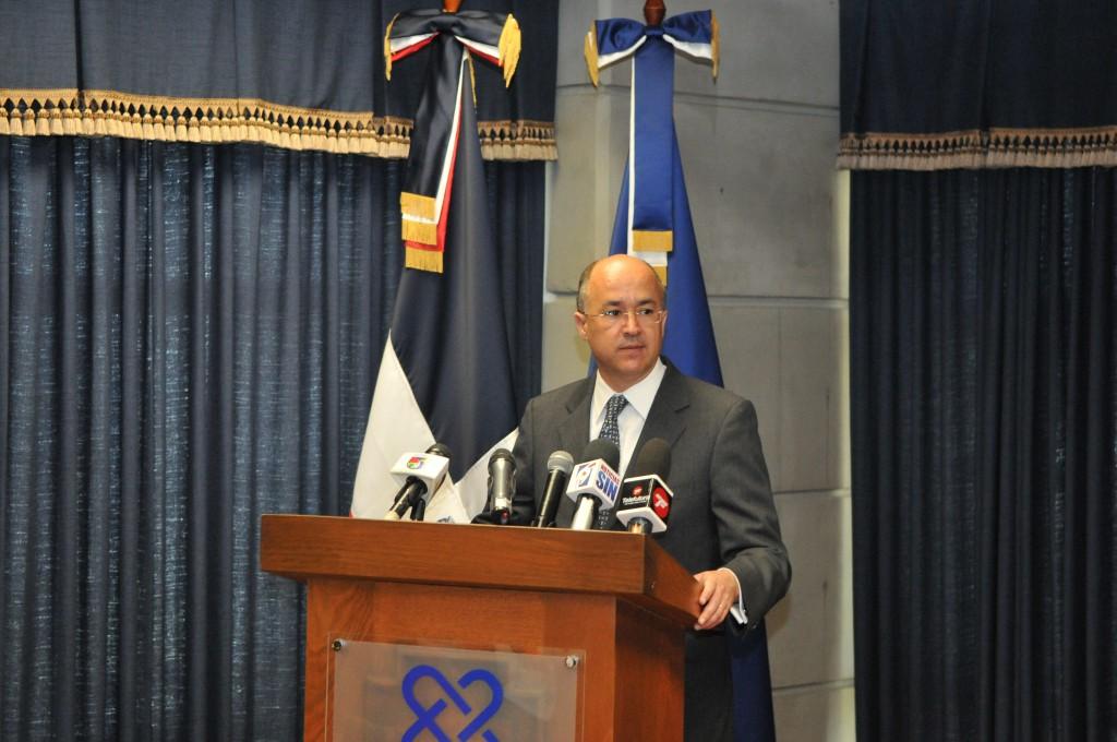 El procurador Francisco Domínguez Brito en rueda de prensa este miércoles.