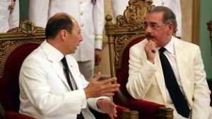 Raúl Juan Pollak Giampietro habla con el presidente Medina.
