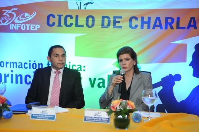 Rafael Ovalles director del INFOTEP y Elena Viyella presidenta EDUCA