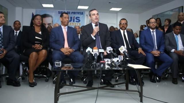 Luis Abinader habla en el acto sobre la situación de la Justicia dominicana.