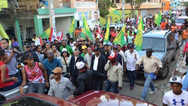 Manuel Jiménez encabezó una marcha en la circunscripción 1 de Santo Domingo Este.