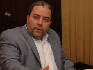 Félix Cabrera dice periodista Fresa Torres trató de besarlo y lo asedió