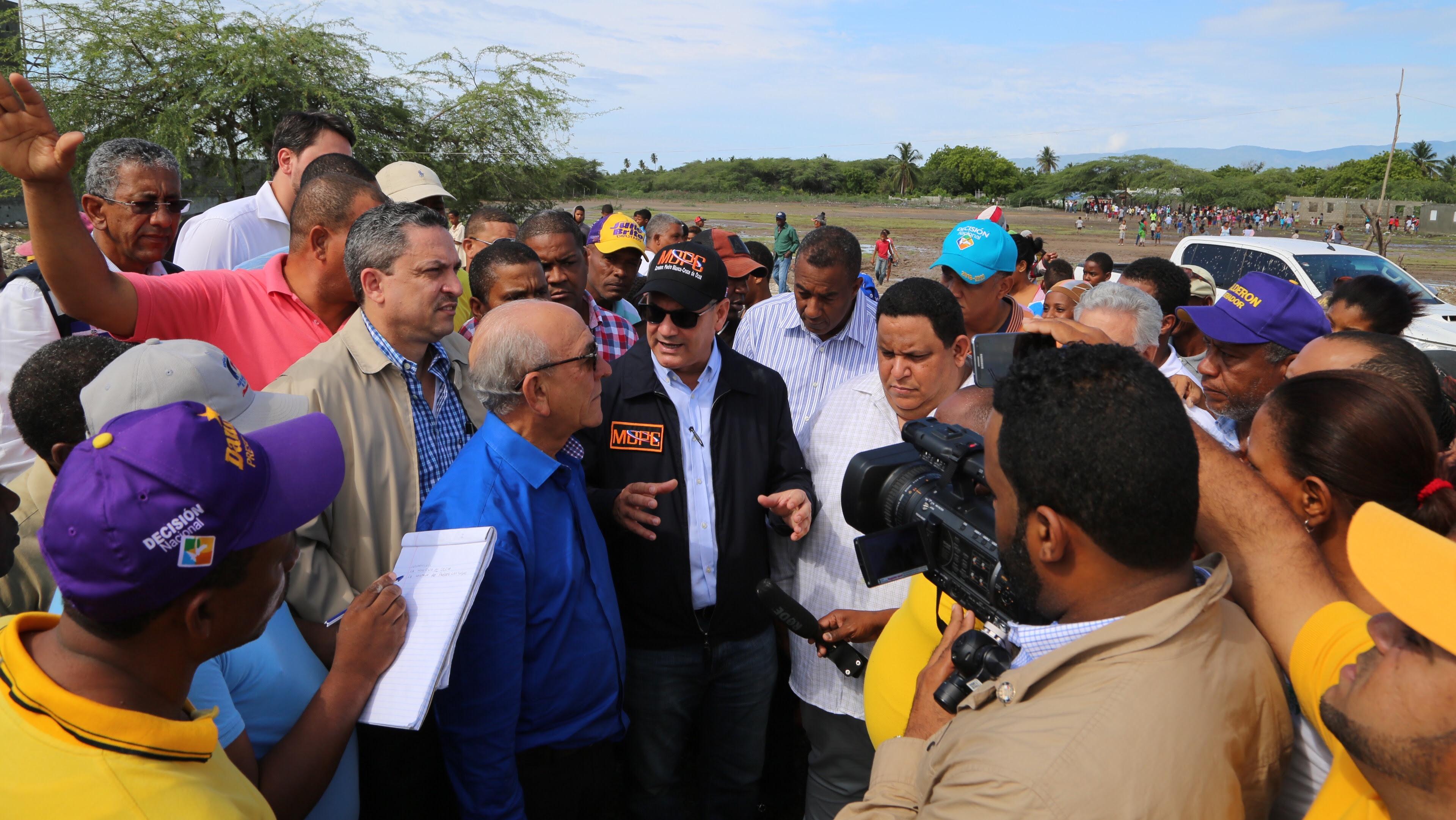 El gobernante conversò con las autoridades locales e instruyò a que se le suministre asistencia a los afectados por las lluvias.