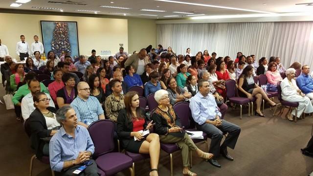 Público presente en la La conferencia sobre turismo y gastronomía.