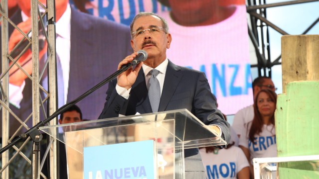 El presidente Danilo Medina pronunció un emotivo discurso ante los beneficiarios con el proyecto residencial.