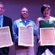 De izq. a der. Keiselim A. Montás, Frank Disla, y Kianny Antigua reciben Premios Letras de Ultramar .