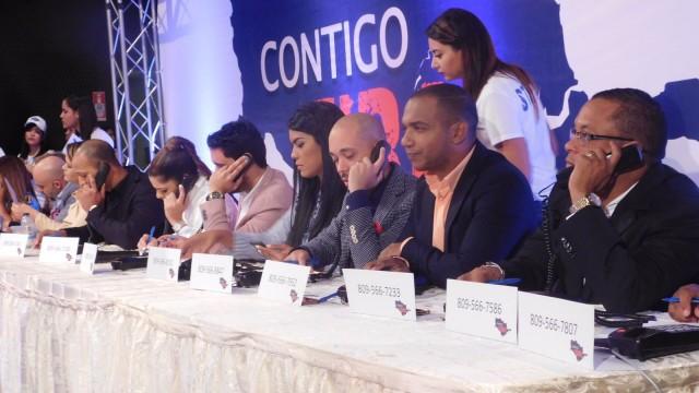 Presentadores de televisión integran el panel en solidaridad con los damnificados de las lluvias en el Cibao.