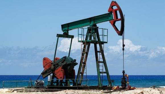 AIE pronostica aumento del precio del petróleo para 2018