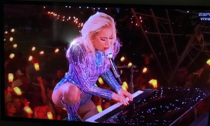 """Lady Gaga lidera conciertos """"Juntos en casa"""" a cobijo de los trabajadores de la Vitalidad"""
