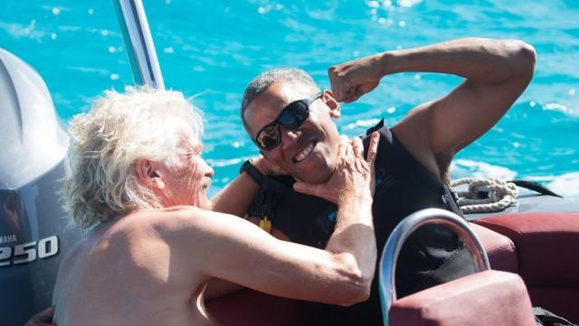 El empresario Bronson bromea con Barack Obama.