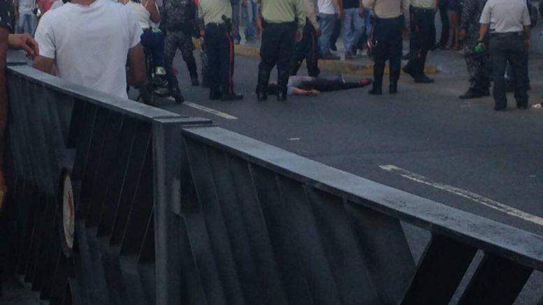 Al menos dos muertos y cuatro heridos durante el plebiscito en Venezuela