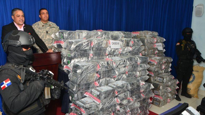 DNCD decomisa más de 1.000 paquetes de cocaína en costas de Azua