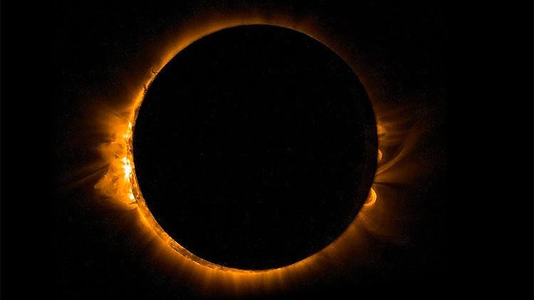 Panameños observan el eclipse solar desde distintos puntos