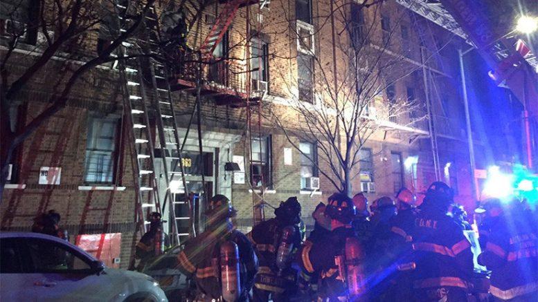 Deja al menos 12 muertos incendio en NY