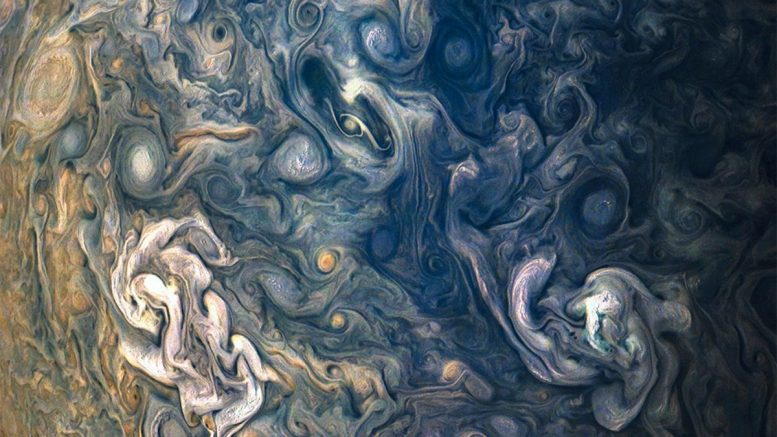 Las impresionantes imágenes que muestran a Júpiter como un Van Gogh