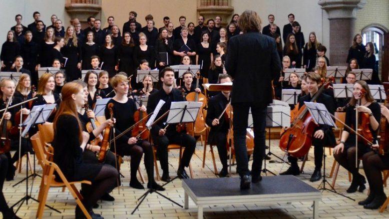 Cuatro orquestas ofrecer n concierto hoy en gran teatro for Concierto hoy en santiago