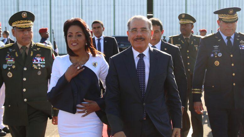 Resultado de imagen para Presidente Danilo Medina viajó hoy  a cumbre en Perú