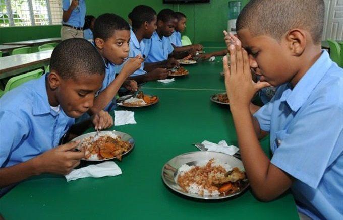 Image result for Programa de Alimentación Escolar aporta el 70 % de los nutrientes diarios que requieren los estudiantes