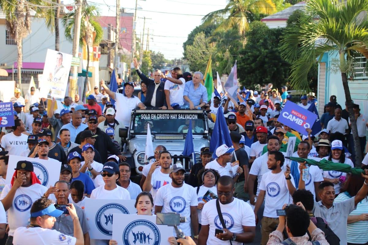 Manuel Jiménez y Antonio Taveras recorren barrios de Santo Domingo Este - DiarioDigitalRD