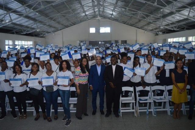 ITLA entrega más de 900 becas de inglés a munícipes de Boca Chica – DiarioDigitalRD
