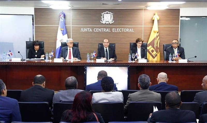 Siete candidatos disputarán la presidencia de la República Dominicana el 17 de mayo