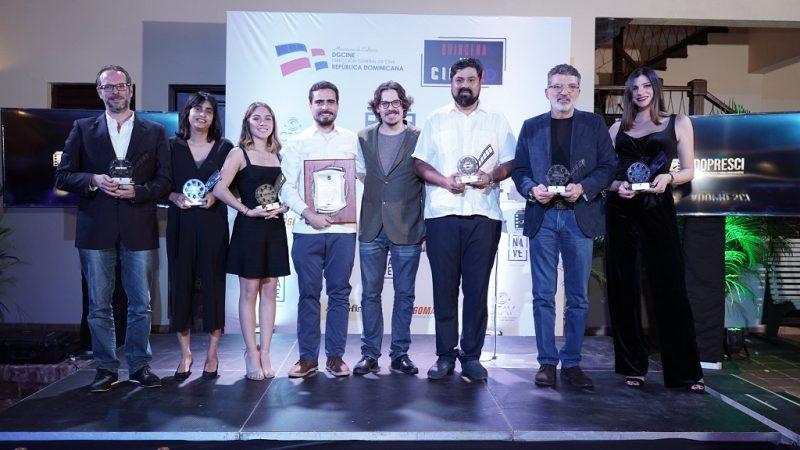 Emotivo I Premio de la Crítica es bautizado por lágrimas de Eva Arias