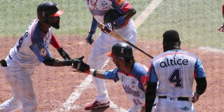 República Dominicana vence a Panamá y avanza en la Serie del Caribe