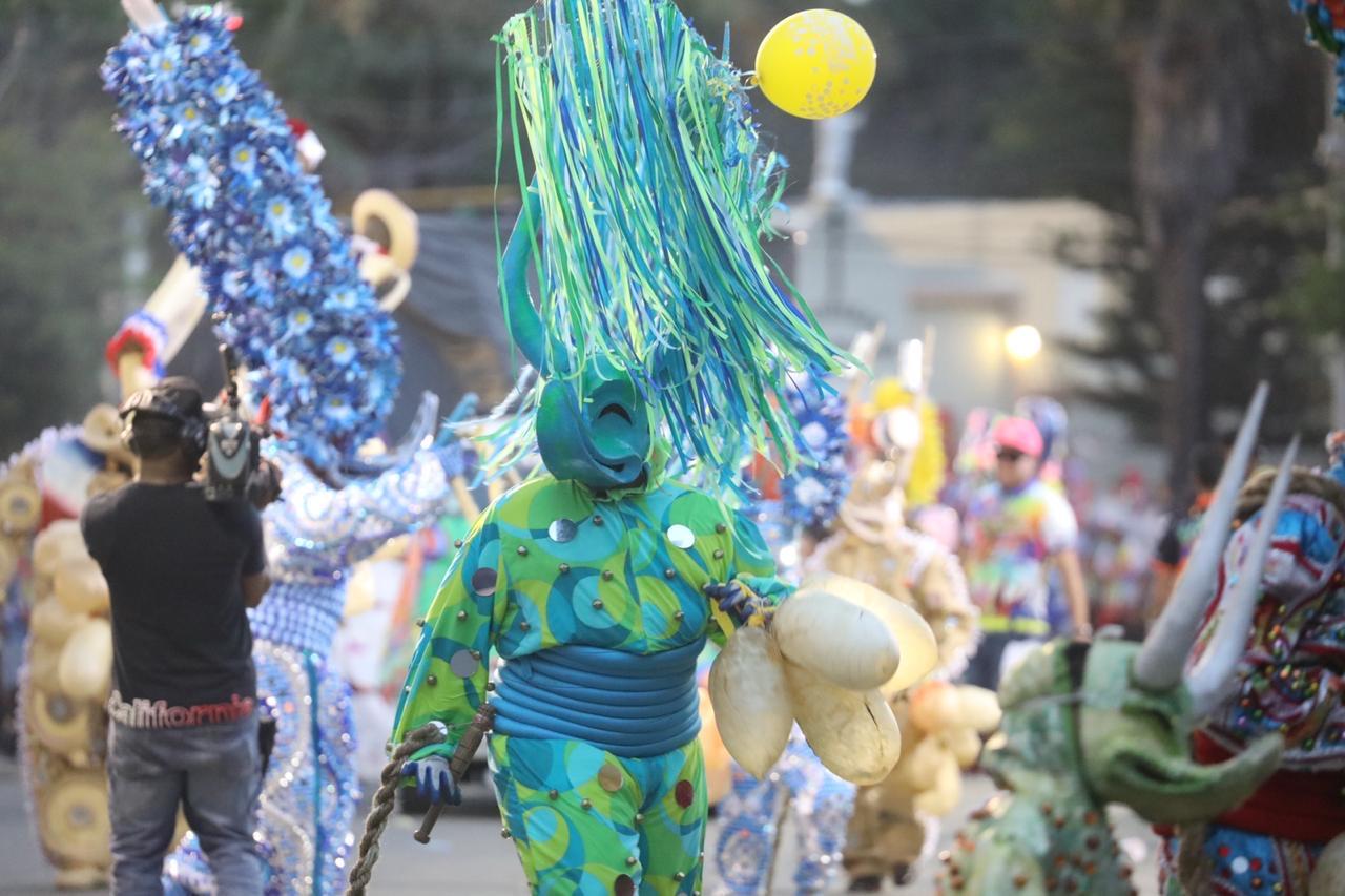 Carnaval Santiago 2020 concluye con resonante éxito