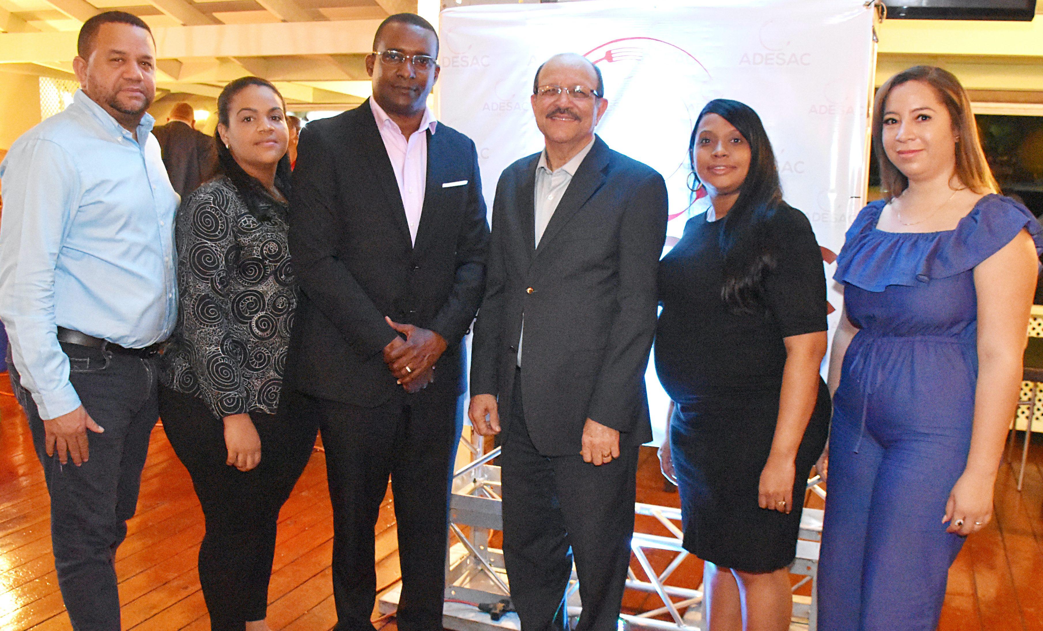 Un brindis por el lanzamiento de la nueva Asociación Dominicana de Empresas Suplidoras de Alimentos