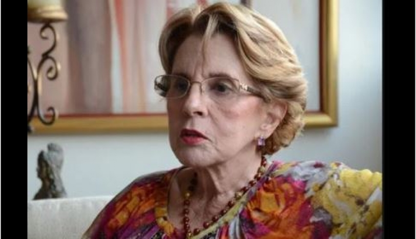 Lamentan deceso de Arlette Fernández
