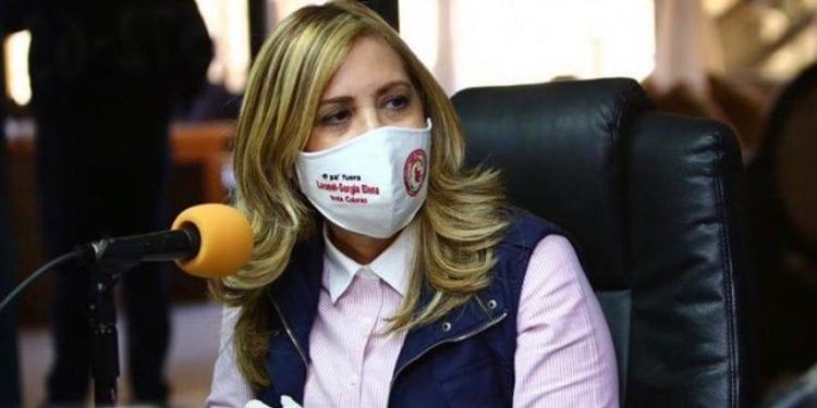 Sergia Elena denuncia remesadoras no entregan remesas en dolares