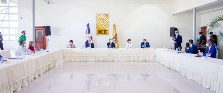 JCE y Grupo de Extras conocen abandono táctica de disyuntiva